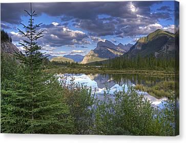Evening At Vermillion Lakes Canvas Print by Darlene Bushue