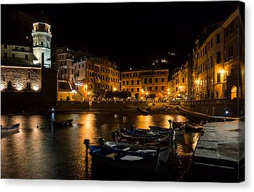 Canvas Print featuring the photograph Evening In Vernazza - Cinque Terre Italy by Carl Amoth