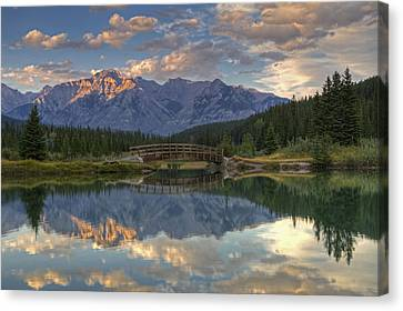 Evening Solitude At Cascade Ponds Canvas Print by Darlene Bushue