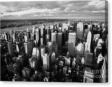 Evening View Of Manhattan North West Towards Hudson River New York City Canvas Print by Joe Fox