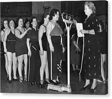 Exercise Class Weigh In Canvas Print by Underwood Archives