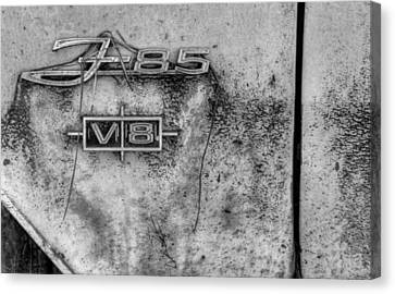 F-85 In Black And White Canvas Print by Greg Mimbs