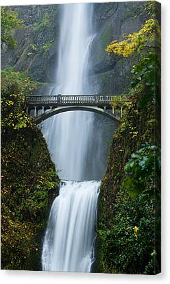 Fall At Multnomah Falls Canvas Print by Don Schwartz
