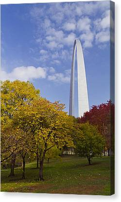 Fall At The St Louis Arch Canvas Print by Garry McMichael