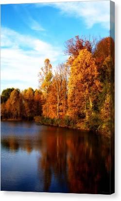 Canvas Print featuring the photograph Fall Scene At Hedden Pond With Orton Effect by Eleanor Abramson