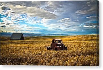 Farm Field Pickup Canvas Print by Steve McKinzie