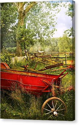Farm - Tool - A Rusty Old Wagon Canvas Print by Mike Savad