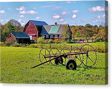 Canvas Print featuring the photograph Farmland by Janice Drew