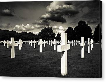 Fields Of The Lost - American Cemetery At Cambridge Canvas Print by Mark E Tisdale
