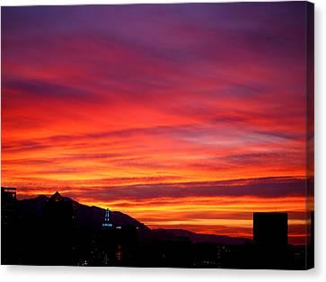 Fiery Sunset Canvas Print by Rona Black