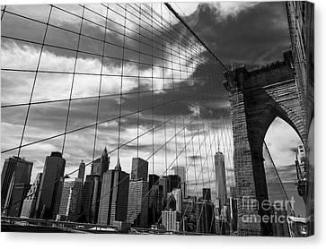 Film Noir Brooklyn Bridge Canvas Print