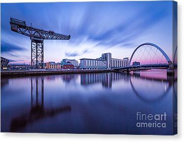 Finnieston Crane And Glasgow Arc Canvas Print by John Farnan