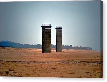 Canvas Print featuring the photograph Fct5 And Fct6 Fire Control Towers On The Beach by Bill Swartwout