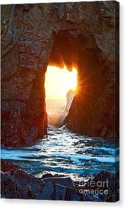 Fireburst - Arch Rock In Pfeiffer Beach In Big Sur. Canvas Print by Jamie Pham