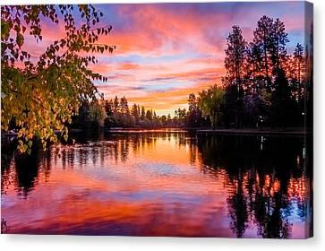 First Light On Mirror Pond Canvas Print