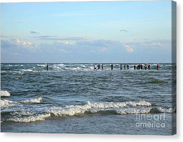 Fishing The Point At Cape Hatteras Canvas Print by Suzi Nelson