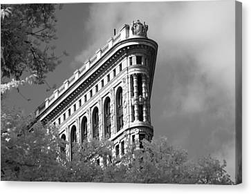 New York City - Flat Iron Prow Canvas Print