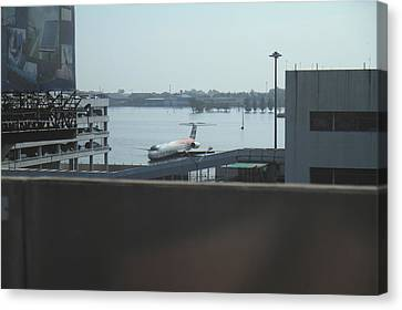 Flooding Of The Airport In Bangkok Thailand - 01134 Canvas Print by DC Photographer