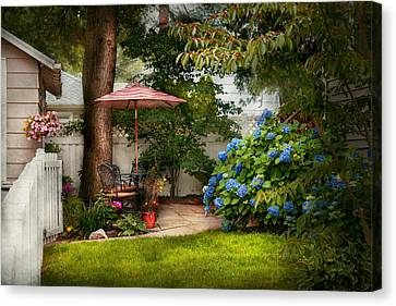 Flower - Westfield Nj - Private Paradise Canvas Print by Mike Savad