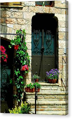 Canvas Print featuring the photograph Flowers 4-assisi by Theresa Ramos-DuVon