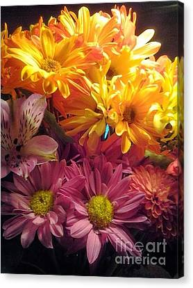 Flowers2 Canvas Print by Susan Townsend