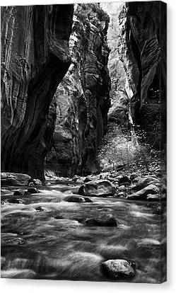 Flowing River In The Narrows Canvas Print by Andrew Soundarajan