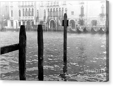 Fog Along The Grand Canal Canvas Print by John Rizzuto