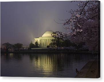 Foggy Morning At The Jefferson Memorial 1 Canvas Print