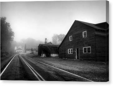 Foggy Morning In Brasstown Nc In Black And White Canvas Print