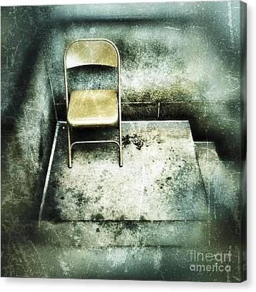 Folding Chair On Stoop Canvas Print by Amy Cicconi