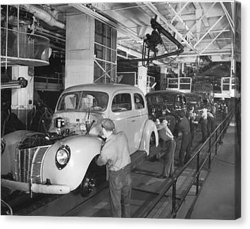 Ford Assembly Line Canvas Print by Underwood Archives