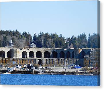 Fort Popham In Maine Canvas Print by Catherine Gagne