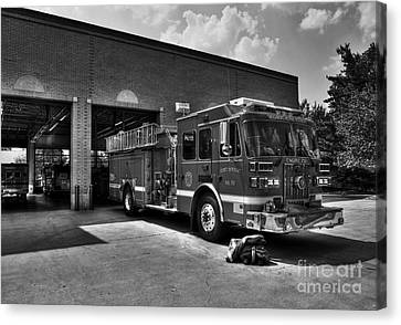 Fort Wright Fire Station Bw Canvas Print by Mel Steinhauer