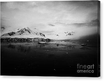 Fournier Bay On Anvers Island Antarctica Canvas Print by Joe Fox