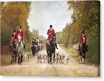 Foxhunting Canvas Print by Heather Swan