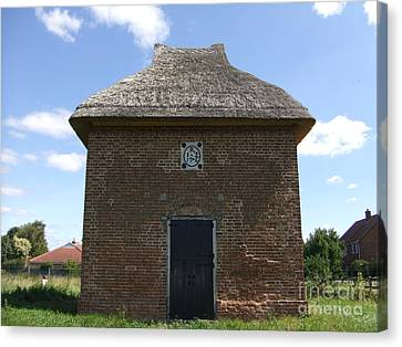 Foxton Dovecote Canvas Print by Richard Reeve
