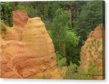 France, Vaucluse, Roussillon Canvas Print by Kevin Oke