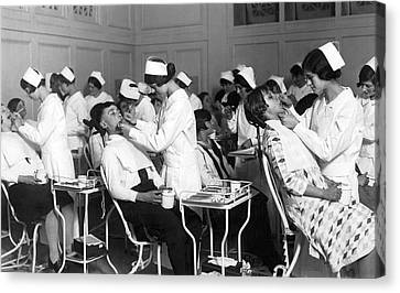 Free Dental Help For Children Canvas Print by Underwood Archives