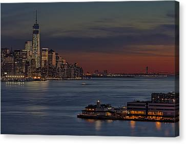 Freedom Tower Sunset Canvas Print by Susan Candelario