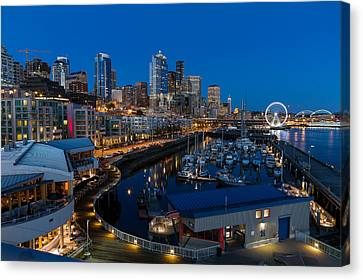 Friday Night In Seattle Canvas Print by Ken Stanback