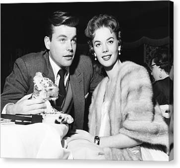 From Left Robert Wagner And Natalie Canvas Print by Everett