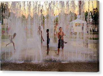 Fun At The Fountain Canvas Print