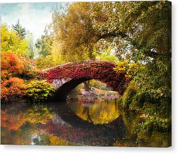 Canvas Print featuring the photograph Gapstow Bridge  by Jessica Jenney