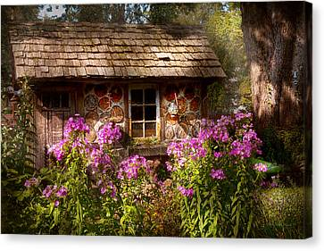 Garden - Belvidere Nj - My Little Cottage Canvas Print