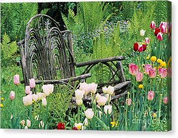 Garden Bench Canvas Print by Alan L Graham