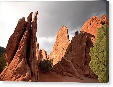 Garden Of The Gods Rock Formations Canvas Print by Jim West