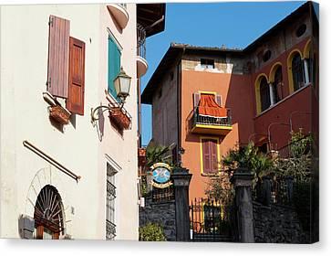 Gardone Alta, Lago Di Garda, Lombardia Canvas Print