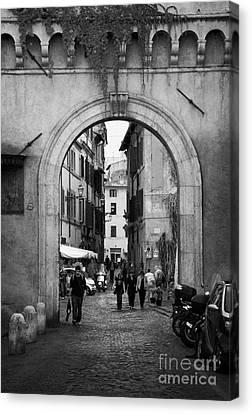 Gate Way Entrance To Trastavere Rome Lazio Italy Canvas Print