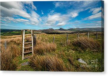 Gateway To The Mountains Canvas Print