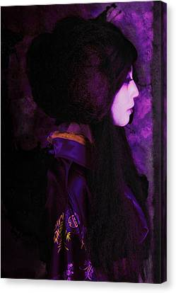 Geisha In Purple And Pink Canvas Print